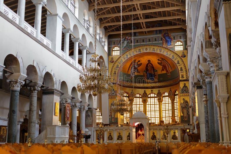Binnenland van Kerk van Heilige Demetrius in Thessaloniki, Griekenland royalty-vrije stock foto