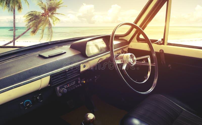 Binnenland van klassieke uitstekende auto stock fotografie