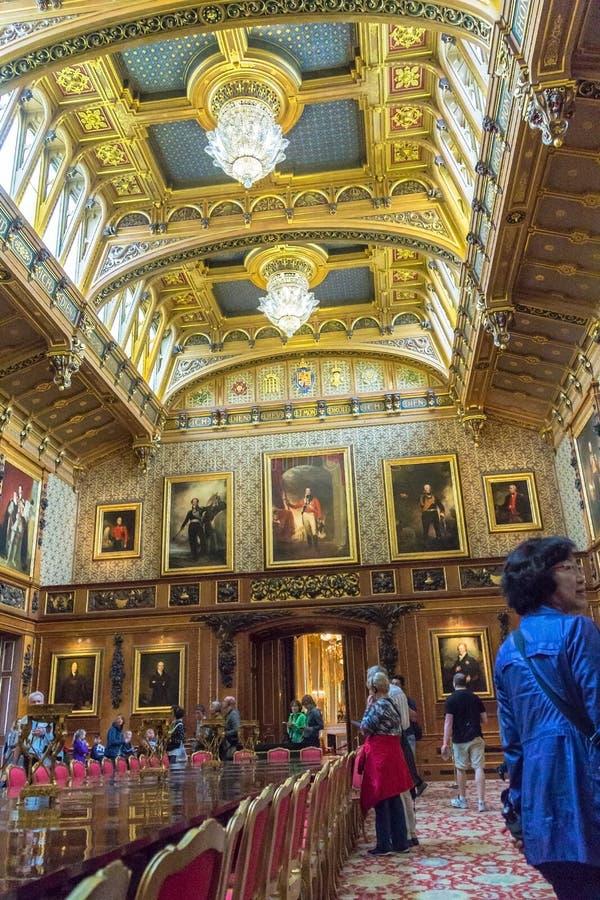Binnenland van koninklijk paleis in middeleeuwse windsor for Interieur english