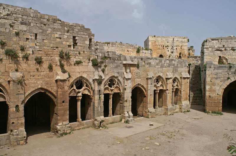 Binnenland van kruisvaarderskasteel Krak des Chevaliers in Syrië royalty-vrije stock afbeelding