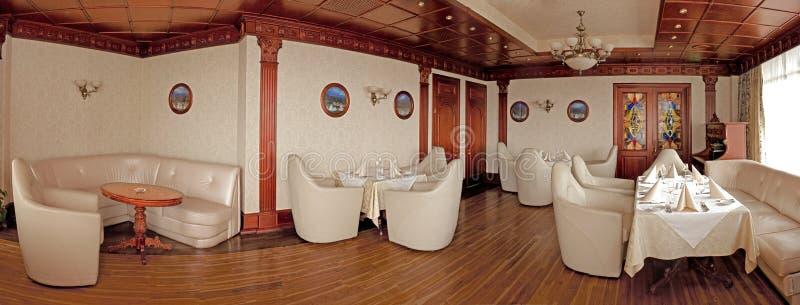 Binnenland van luxerestaurant stock afbeelding