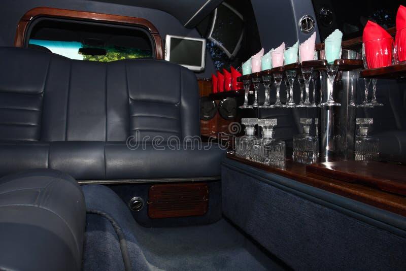 Binnenland van luxueuze limousine stock foto's