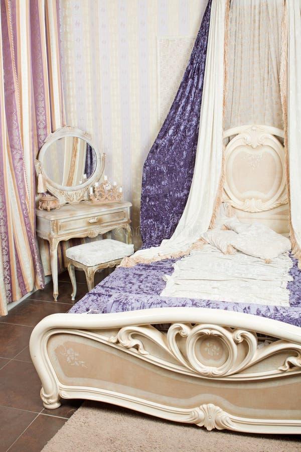 Binnenland Van Luxueuze Slaapkamer In Retro Stijl Stock Foto ...