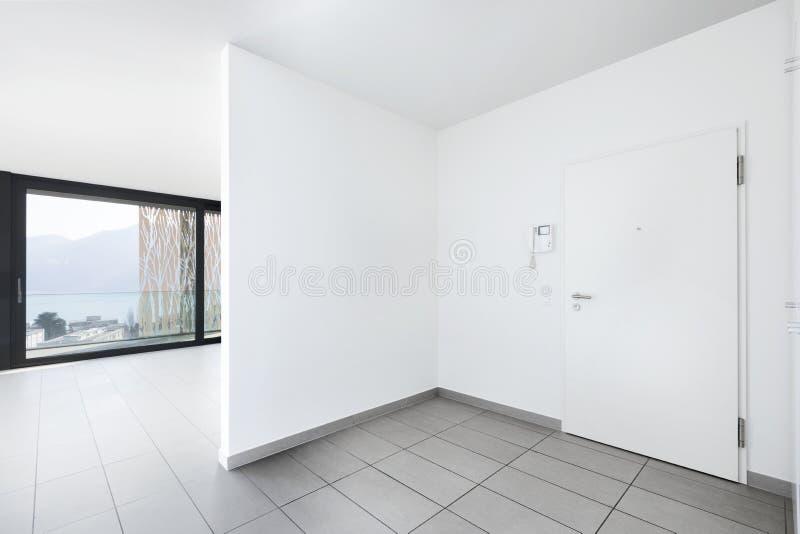 Binnenland van moderne flat, lege ruimte royalty-vrije stock afbeelding