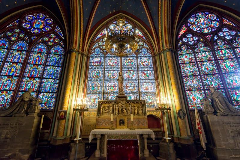 Binnenland van Notre Dame de Paris, Frankrijk stock afbeelding