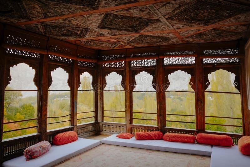 Binnenland van oud Khaplu-Paleis, Gilgit Baltistan, Pakistan stock afbeelding