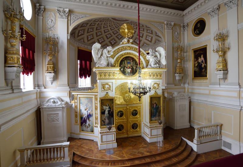 Binnenland van Peter en van Paul kerk in Pavlovsk, Rusland stock fotografie