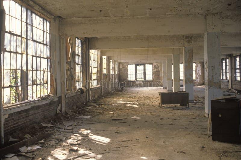 Binnenland van rottende verlaten fabriek, Oost-St.Louis, Missouri stock fotografie
