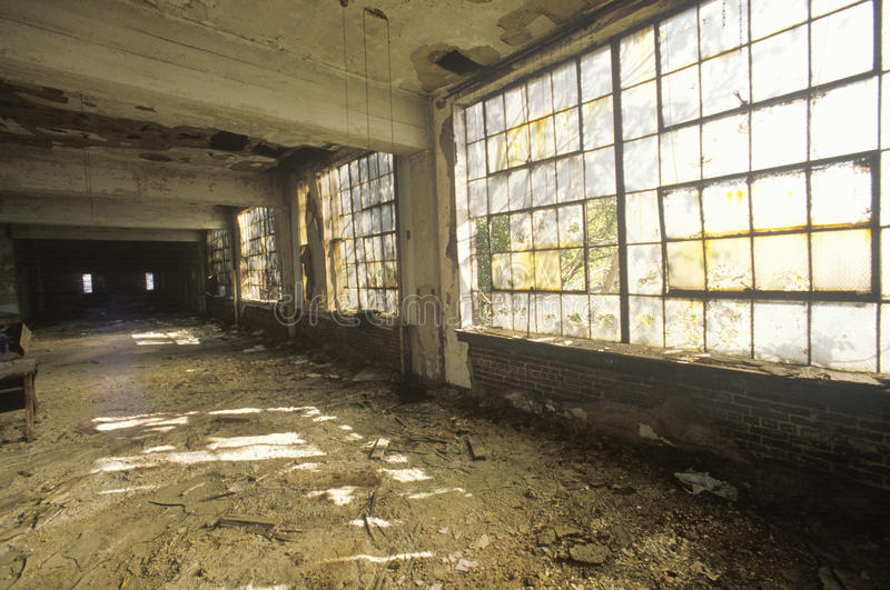 Binnenland van rottende verlaten fabriek, Oost-St.Louis, Missouri royalty-vrije stock afbeeldingen