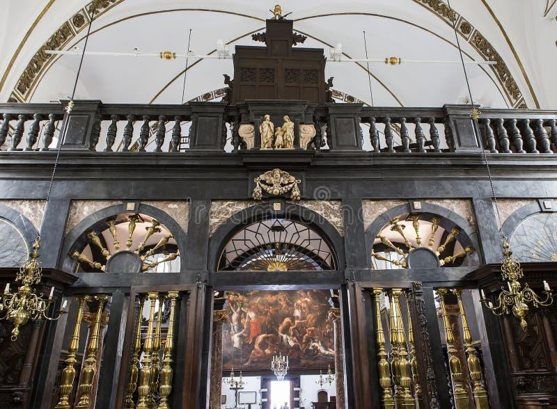 Binnenland van sainte Anne chrurch, Brugge, België stock afbeeldingen
