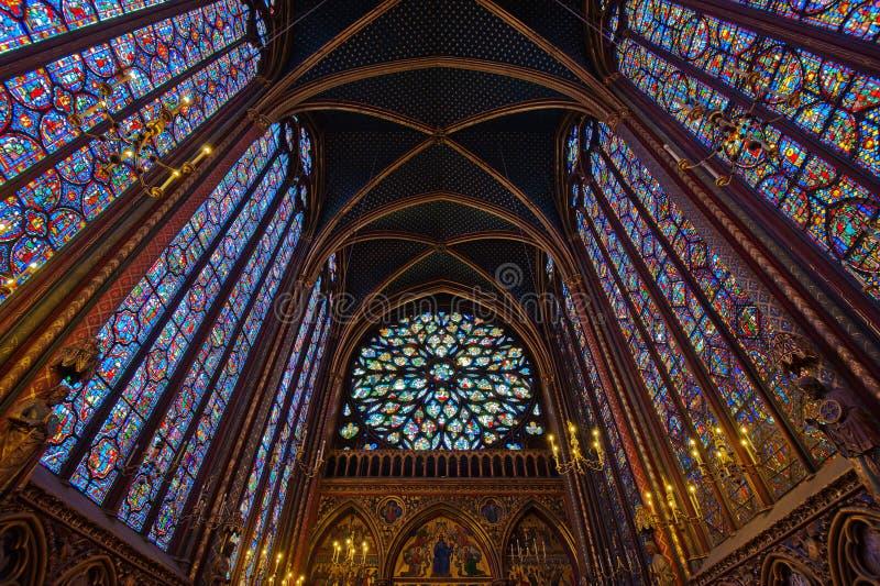Binnenland van sainte-Chapelle, Parijs, Frankrijk royalty-vrije stock foto