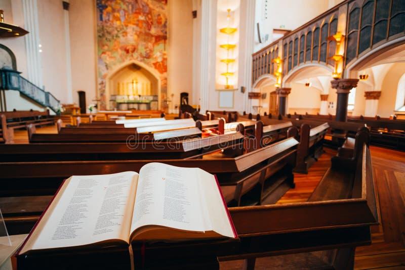 Binnenland van Sofia Kyrka - Sofia Church - binnen stock foto's
