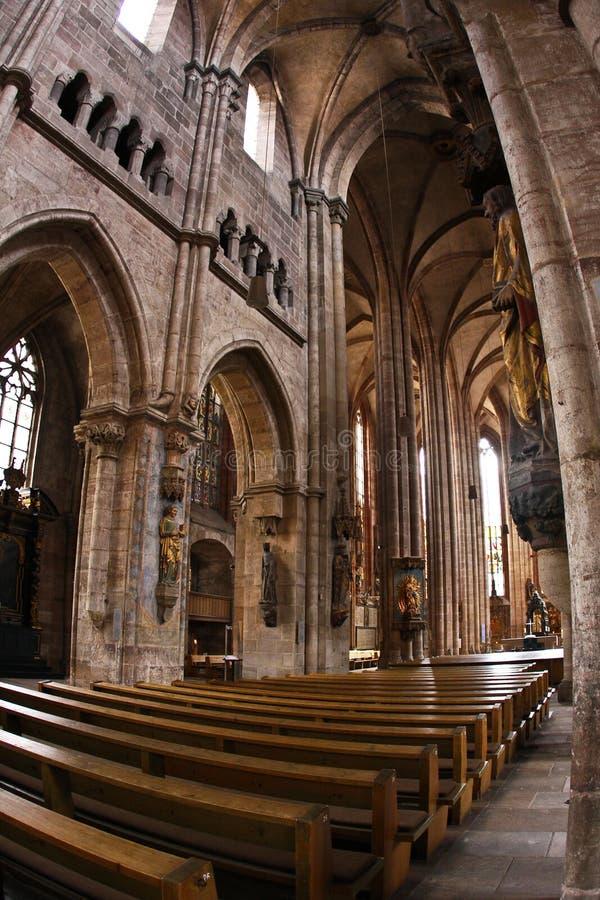 Binnenland van St Lawrence Kerk in Nurnberg stock afbeeldingen