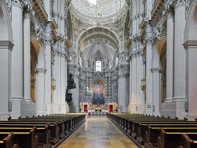 Binnenland van Theatinerkirche in M?nchen, Duitsland royalty-vrije stock afbeelding