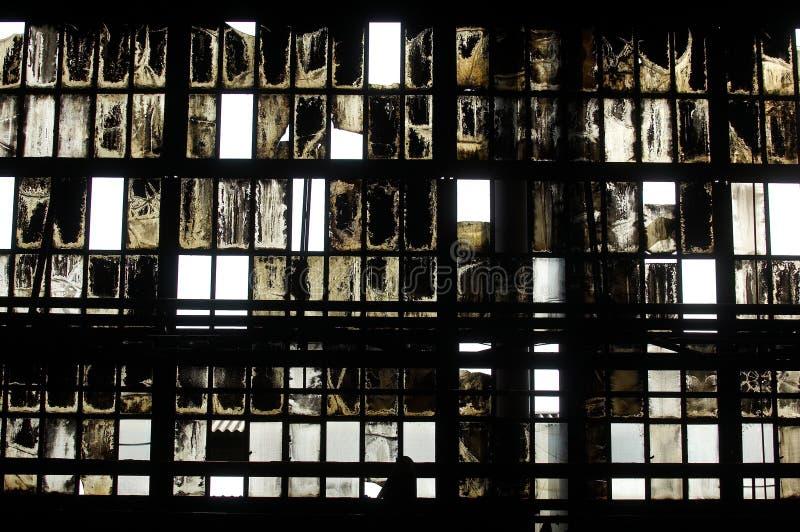 Binnenland van verlaten industriële zaal royalty-vrije stock afbeeldingen