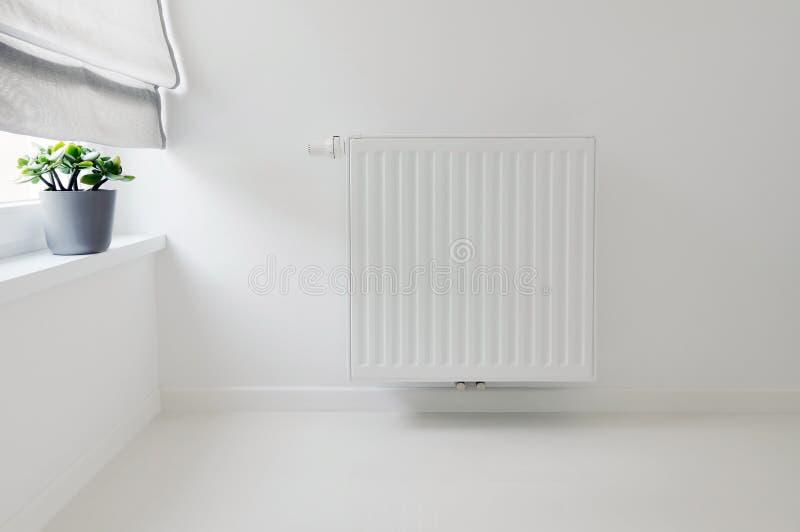 Binnenlands detail met radiator royalty-vrije stock foto