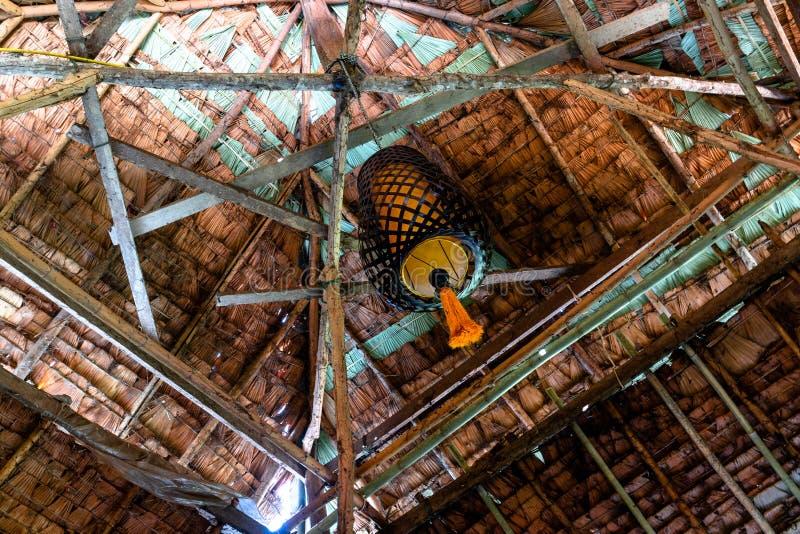 Binnenlands die ontwerp van daktegel van palmbladen wordt gemaakt royalty-vrije stock afbeelding