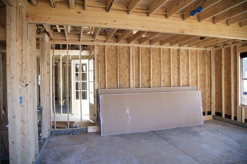 Binnenlands Kader van een Huis In de voorsteden in aanbouw stock afbeeldingen