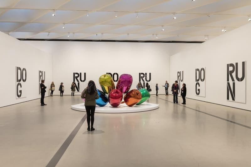 Binnenlands Kunstwerk van Breed Eigentijds Art Museum stock foto