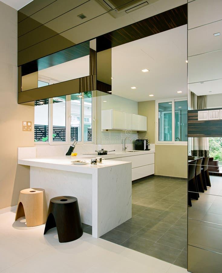 Binnenlands ontwerp - keuken stock foto