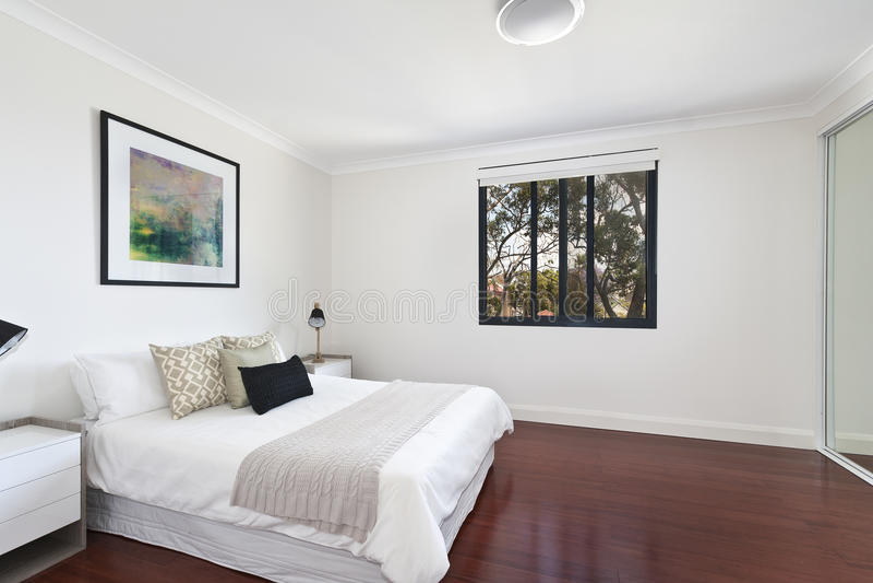 Binnenlands ontwerp: Moderne Slaapkamer stock afbeelding
