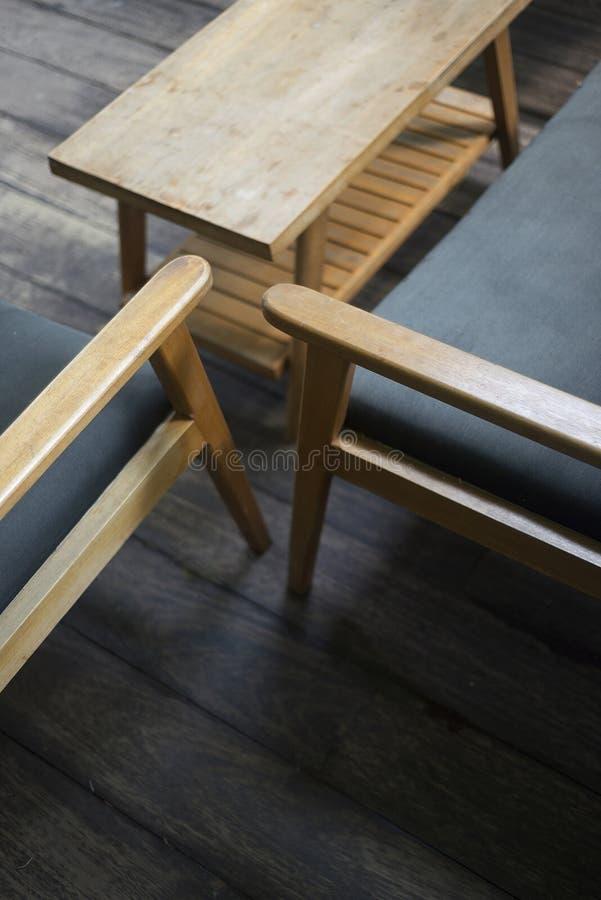 Binnenlands ontwerpdetail van retro houten meubilair royalty-vrije stock foto