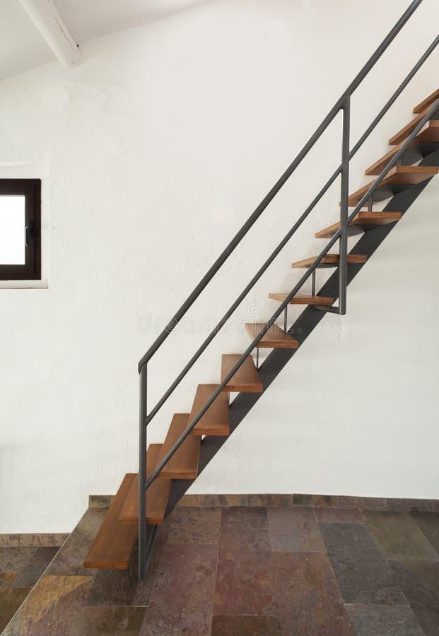 Binnenlands rustiek huis, treden stock afbeeldingen
