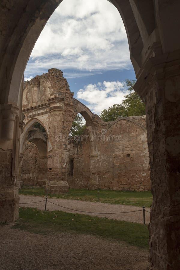 Binnenlands steenklooster in Zaragoza, Spanje stock fotografie