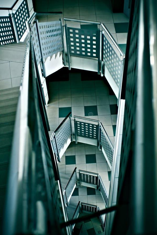 Binnenlands trappenhuis   stock foto