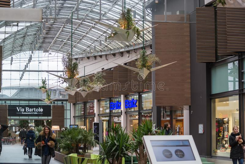 . Binnenlands Winkelcomplex Van Het Ruhr Park In Bochum Redactionele