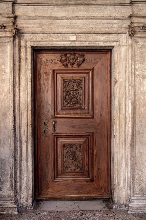 Binnenlandse Deur in het Paleis van de Doge in Venetië stock fotografie
