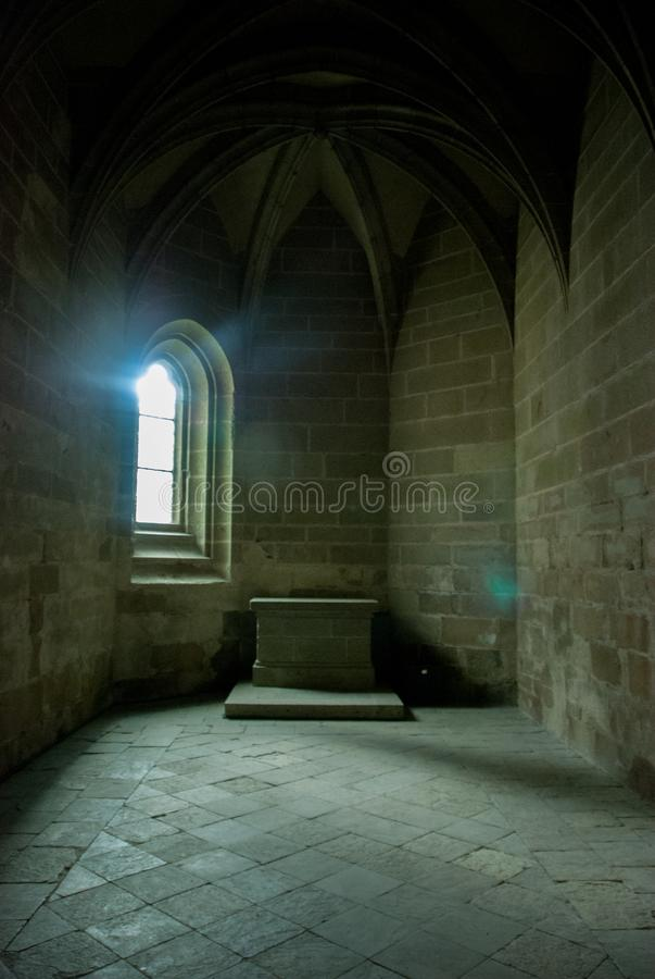Binnenlandse kolommen van Mont Saint Michel France royalty-vrije stock afbeelding