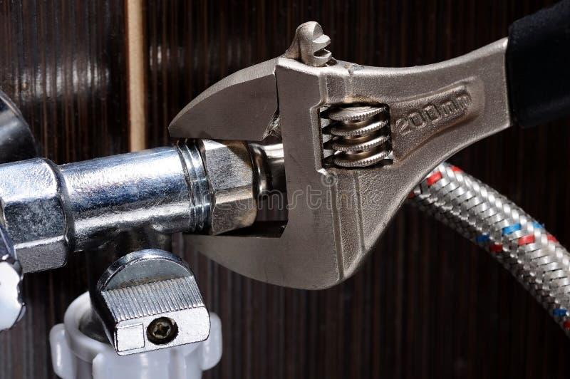Binnenlandse loodgieterswerkverbindingen Loodgieter Installation Hoses royalty-vrije stock afbeeldingen