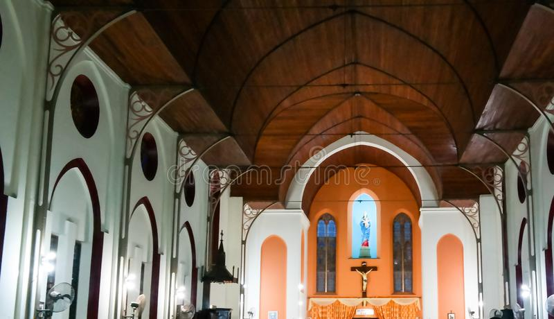 Binnenlandse mening aan Basiliek van de Onbevlekte Ontvangenis in Ouidah, Benin stock fotografie