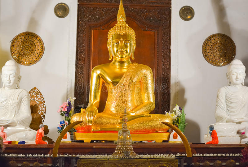 Binnenlandse Mening van Tempel van het Heilige Tandoverblijfsel stock fotografie
