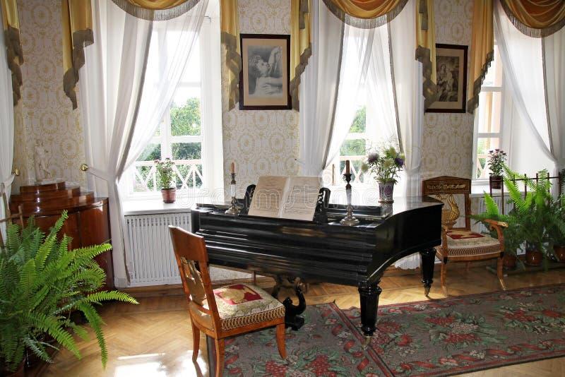 Binnenlandse woonkamermanor in het familielandgoed van Lermont stock afbeelding
