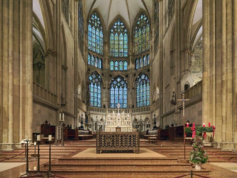 Binnenlandse Zaken van de kathedraal van Regensburg, Duitsland royalty-vrije stock fotografie