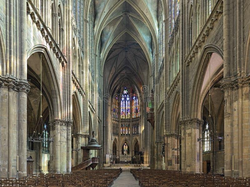 Binnenlandse Zaken van de kathedraal van Saint Stephen van Metz, Frankrijk royalty-vrije stock foto