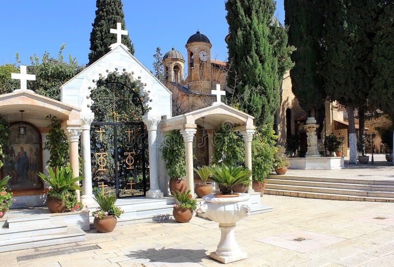 Binnenplaats in de orthodoxe kerk van het eerste mirakel, Kafr Kanna, Israël royalty-vrije stock afbeeldingen