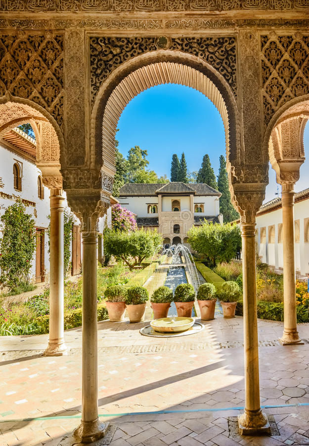 Binnenplaats van Alhambra van Granada, Andalusia, Spanje royalty-vrije stock fotografie