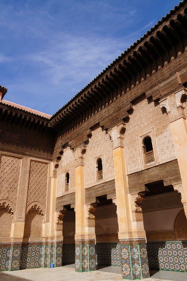 Binnenplaats van Ali Ben Youssef Madrasa, Marrakech stock afbeeldingen