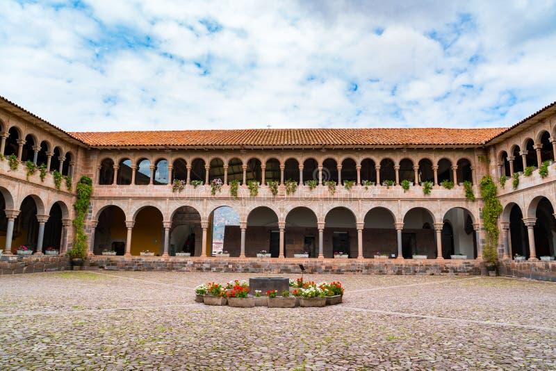 Binnenplaats van Convenat van Santo Domingo in Koricancha Complex in Cusco royalty-vrije stock afbeeldingen