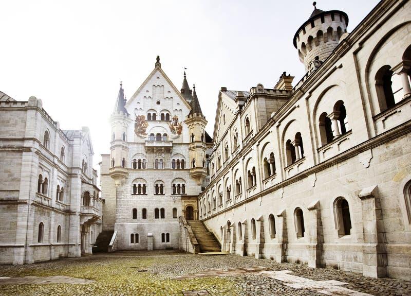 Binnenplaats van Kasteel Neuschwanstein royalty-vrije stock afbeeldingen