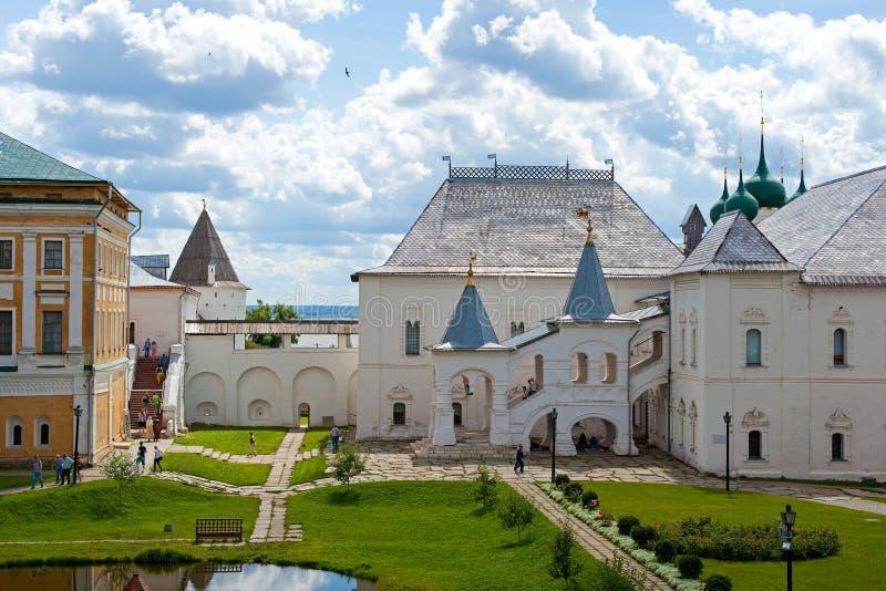 Binnenplaats van Rostov het Kremlin stock foto's