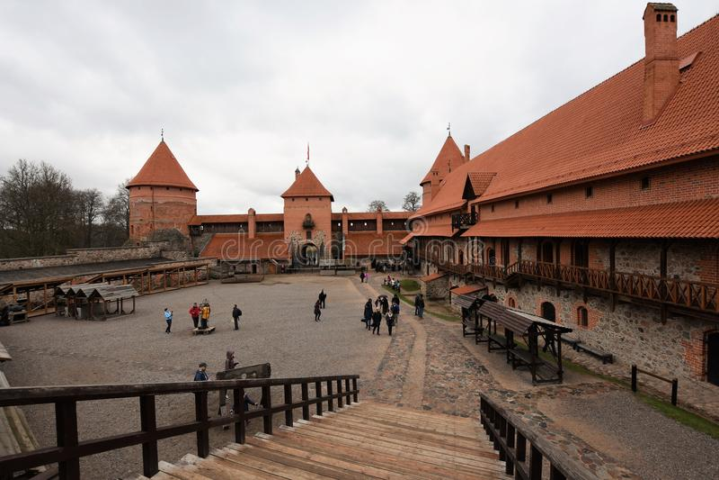 Binnenplaats van Trakai-Kasteel, Litouwen stock afbeelding