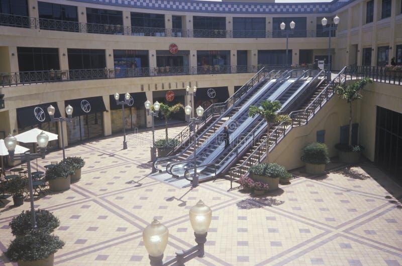 Binnenplaats van winkelcomplex royalty-vrije stock foto