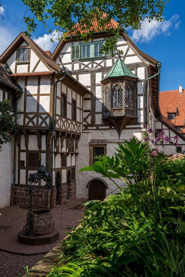 Binnenplaatsgebouwen, het Wartburg-kasteel stock foto