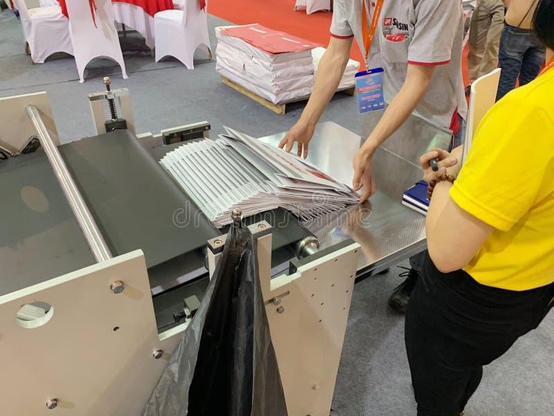 Binnententoonstelling van printers en drukmaterialen - Hanoi, Vietnam 21 Maart, 2018 royalty-vrije stock fotografie