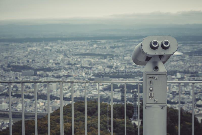 Binoculair of telescoop bepaal van op Onderstel Moiwa voor het gebruik van de steunreiziger zoekend de plaats mening van Sapporo- royalty-vrije stock foto's