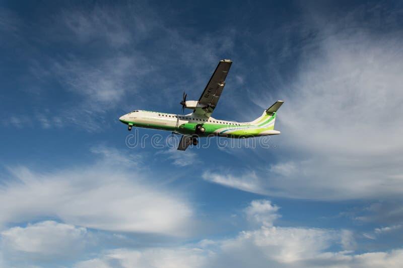 Binter flygbolagflygplan royaltyfri bild